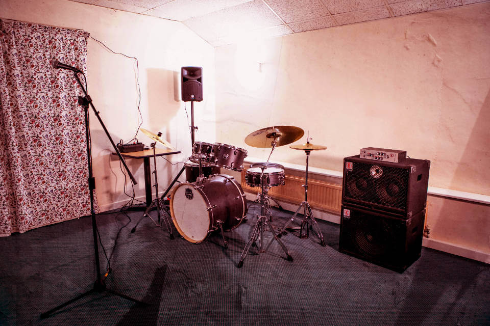Drums and Bass amp